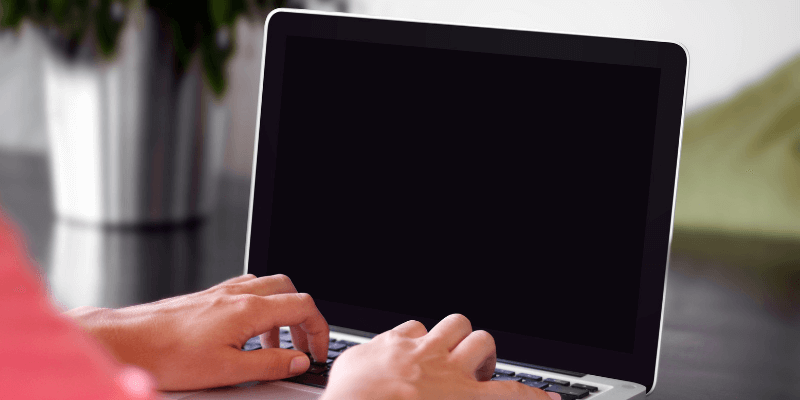 Macbook Proの画面が黒くなり応答しなくなる